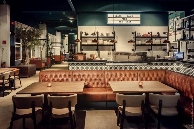 C r hospitality services for Den haag restaurant